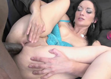 Czech slut Laura takes some black dick